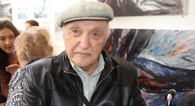 100 year old Holocaust survivor Max Hennar