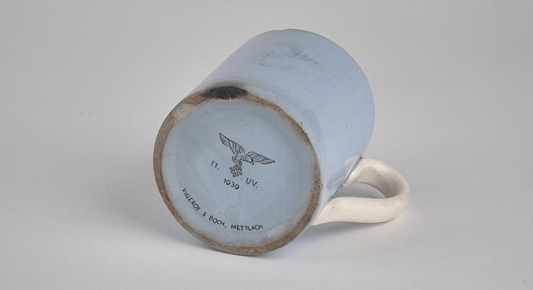 Villeroy & Boch mug, 1939