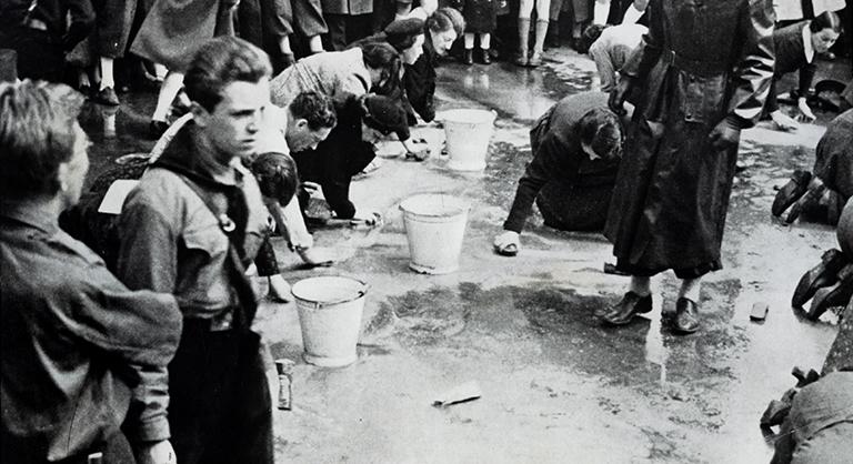 Photograph of Putzerkolonnen – cleaning units in Nazi-occupied Austria